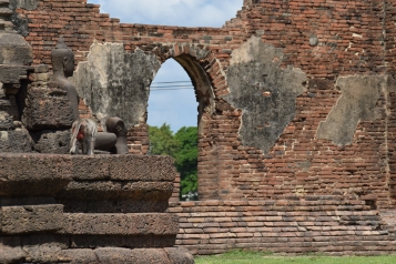 Lopburi - Monkey Temple 2